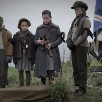 Seoras Cuthbert as Oliver, Orla Nicchoinnich Ni Eadhra as Violet Brook, Eilidh Macphee as Alison Brook and Seumas Paul Scullion as Harold in episode 4 of Small Hands in a Big War (© Looks Film & TV).