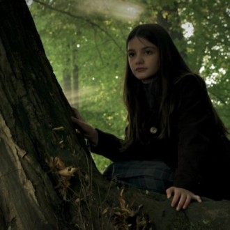 Nicolais Borger as Emilie Bonnet in episode 8 of Small Hands in a Big War (© Looks Film & TV).