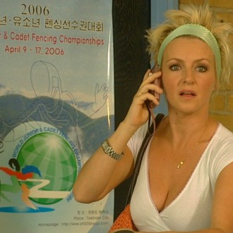 Lone van Roosendaal as Marie-Louise in episode 5 of Sportlets (© Workout Factory BV).