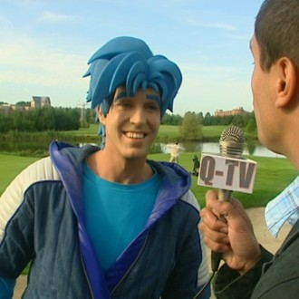 Nick Fleuren als Strongo in aflevering 9 van Sportlets (© Workout Factory BV)