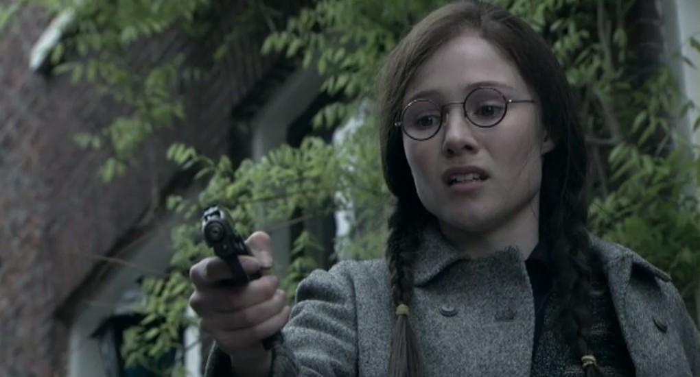Sigrid ten Napel als Els Mulder in aflevering 7 van 13 in de oorlog (© NTR)