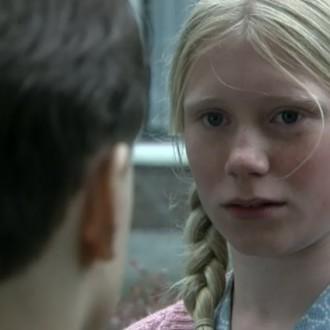 Chris Dekkers als Marie en Ruben Renet als David in aflevering 13 van 13 in de oorlog (© NTR)