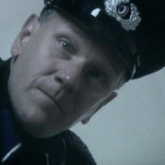 Ronald Top als Veenstra in aflevering 13 van 13 in de oorlog (© NTR)