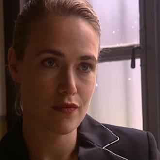 Gonny Gaakeer als Karin Meerveld in aflevering 10 van Dankert & Dankert (© Steven de Jong Films)