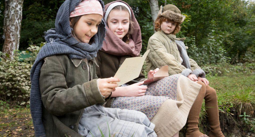 Uljana Torkiani als Vera, Christina Chorowska als Tamara en Ilja Bultmann als Mischa in aflevering 6 van Kids of Courage  (© SWR, Looks Film & TV).