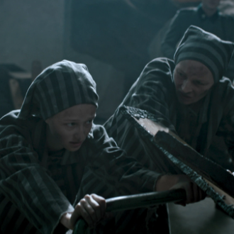 Natálie Vágnerová als Eva en Katerina Coufalová als Renata in aflevering 8 van Kids of Courage (© SWR, Looks Film & TV).