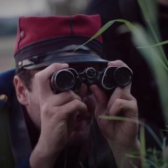 Stephen Liebman als Marcel Leclaire in aflevering 1 van Kleine handen in een grote oorlog (© Looks Film & TV)