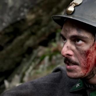 Riccardo Campagnuolo als Paulo Di Maggio in aflevering 3 van Kleine handen in een grote oorlog (© Looks Film & TV)