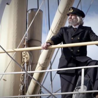 Tony de Maeyer als Kapitein Pronk in aflevering 6 van Kleine handen in een grote oorlog (© Looks Film & TV)