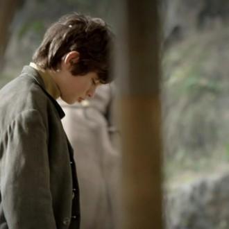 David Kaplan als Misja Petrowski in aflevering 7 van Kleine handen in een grote oorlog (© Looks Film & TV)