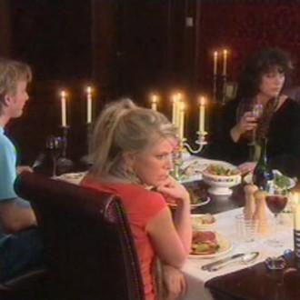 Hugo Konings als Maarten, Rosa Reuten als Julia en Henriëtte Tol als Beatrijs in Moeders & Dochters (© Networks Unlimited)