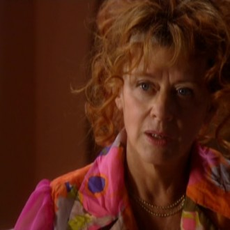 Petra Laseur als Phil de la Fuentera in aflevering 54 van Rozengeur & Wodka Lime (© Endemol Nederland)