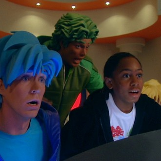 Nick Fleuren als Strongo, Miro Kloosterman als Ballistico en Jason Mercera als Charlie in aflevering 1 van Sportlets (© Workout Factory BV)