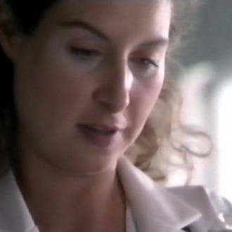 Sandra Mattie als Jasmijn Rood in aflevering 5 van Trauma 24/7 (© Endemol Nederland)