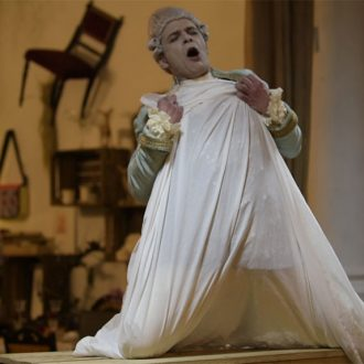 Lukasz Biela als Riccardo in de opera La Zingaretta (camera: Acis Mahrje)